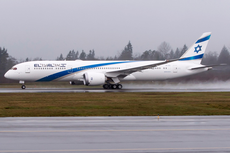 Aviation Capital Group Takes Delivery of Its First Boeing 787 Dreamliner