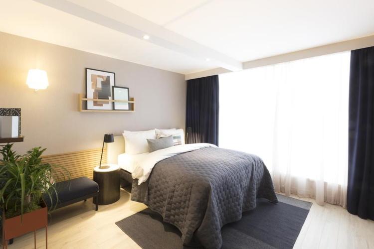 Staybridge Suites Guestroom