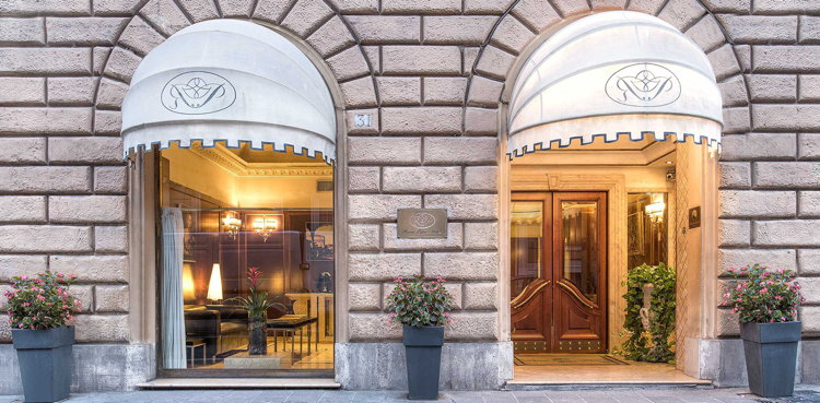 River Palace Hotel - Entrance