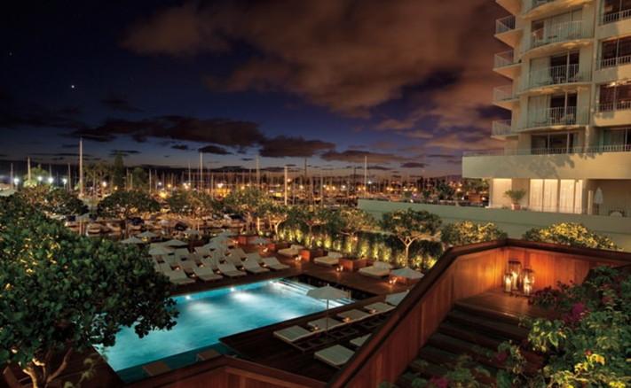 The Modern Honolulu Hotel - Pool at night