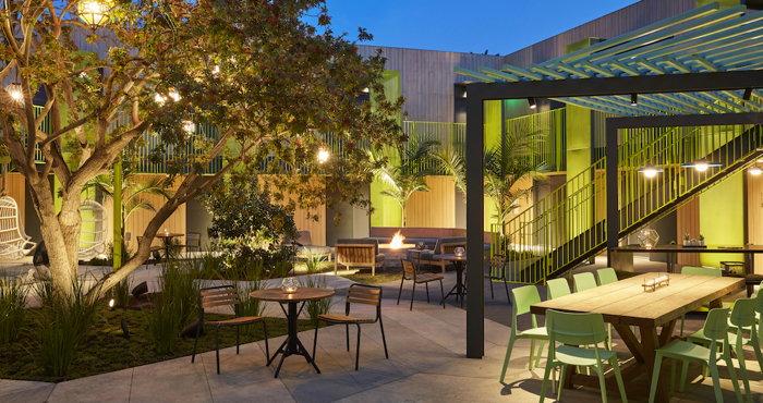 Mayumi Hotel courtyard