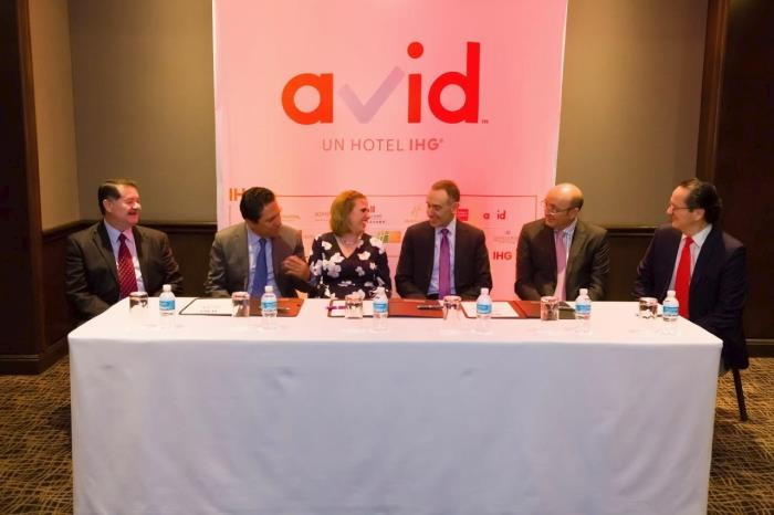 Αποτέλεσμα εικόνας για IHG and Operadora MBA celebrate signing of first avid™ hotel in Mexico