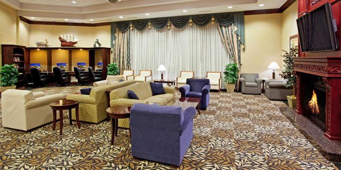 Crowne Plaza Farmington Hills - Lobby
