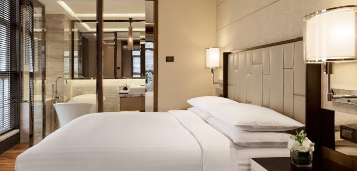Marriott Executive Apartment Hotel - Bedroom