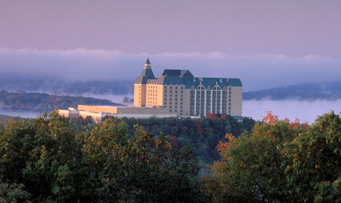 Chateau on the Lake Resort, Spa & Convention Center in Branson - Exterior