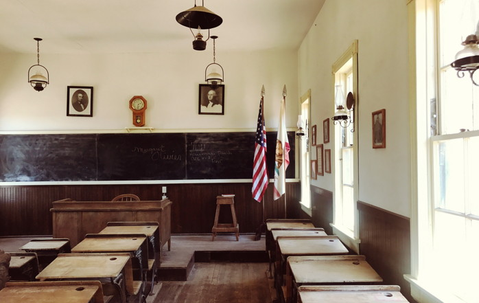 A class room in Calico, United States - Photo by Nicola Tolin on Unsplash