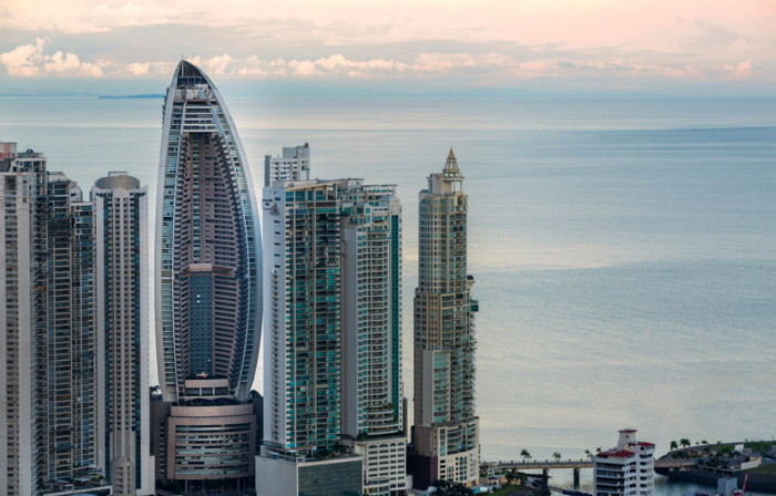 Ithaca Capital today announced that the Bahia Grand Panama Hotel in Panama City, housed in the tallest building in Panama and Central America, is set to become a JW Marriott hotel.