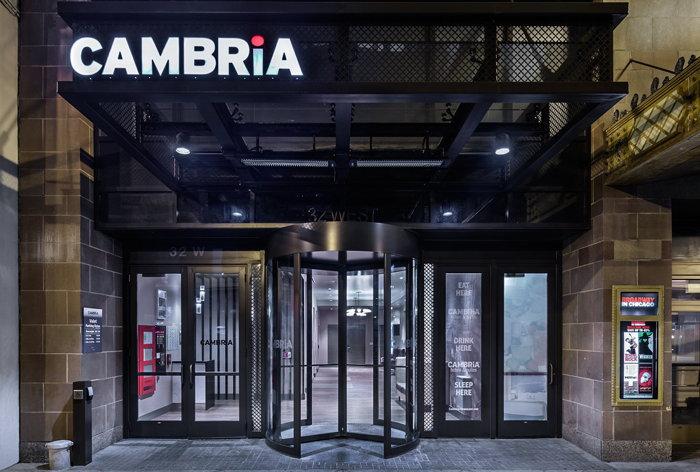 Cambria Hotel Chicago Loop-Theatre District - Entrance