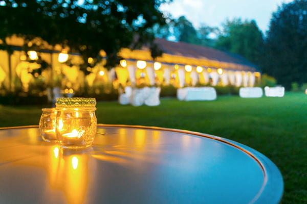 A banquet in a garden