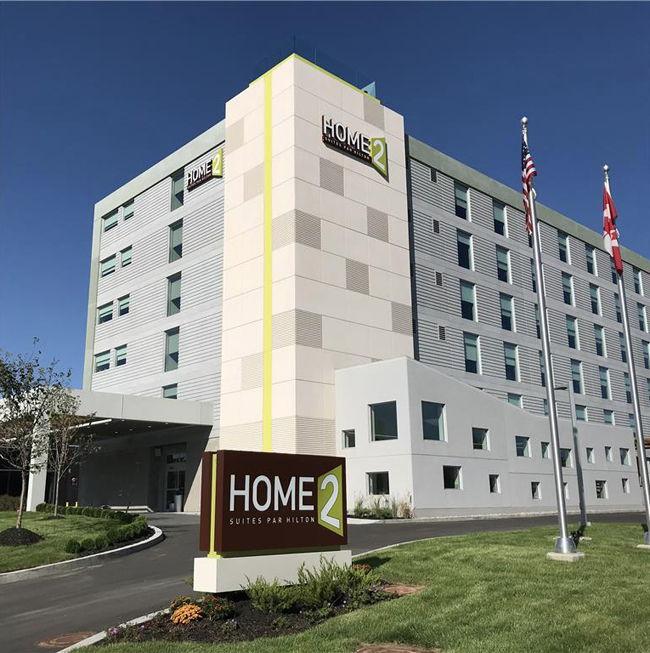 Home2 Suites by Hilton Montréal Dorval - Exterior
