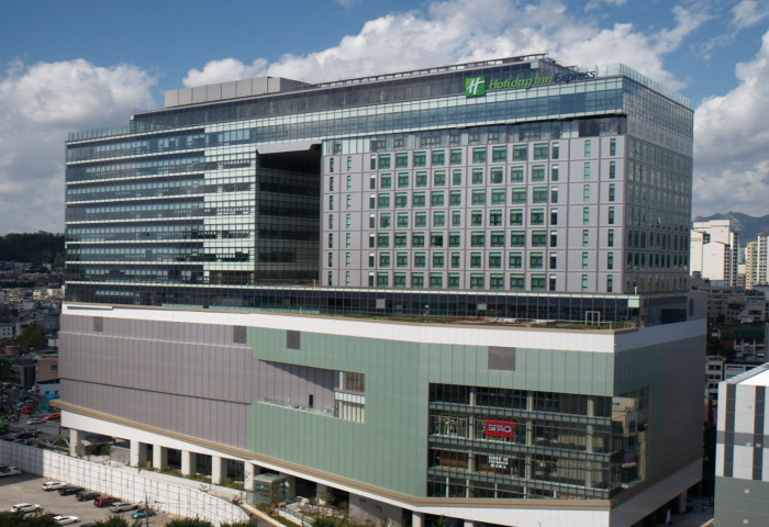 Holiday Inn Express Seoul Hongdae - Exterior
