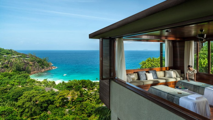 Suite with oceanview at the Four Seasons Resort Seychelles at Desroches Island