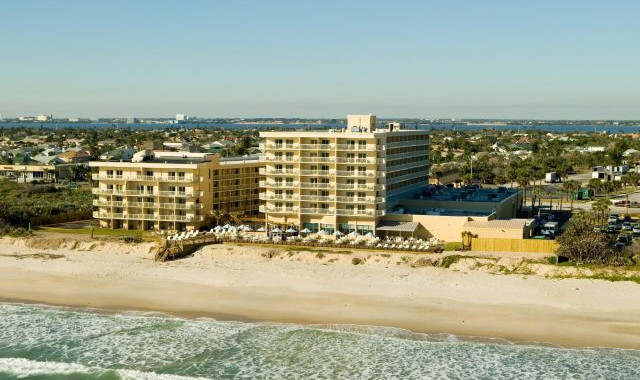 Crowne Plaza Melbourne Oceanfront - Aerial view from the sea