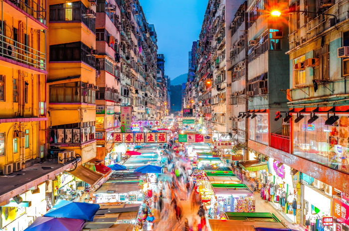 Scenery of market place Mong Kok, Hong Kong - Photo by Francois Hurtaud on Unsplash