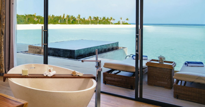 Mӧvenpick Resort Kuredhivaru - Beach view