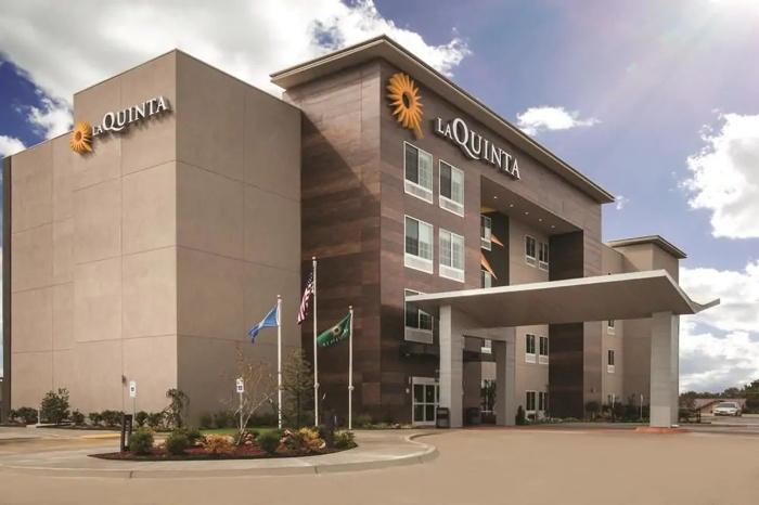La Quinta by Wyndham Hotel - Exterior