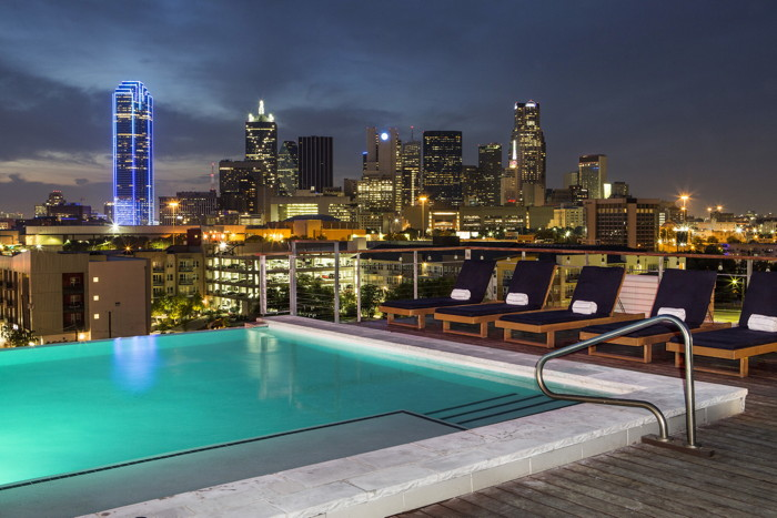 The Gallery Rooftop Lounge at CANVAS Hotel Dallas