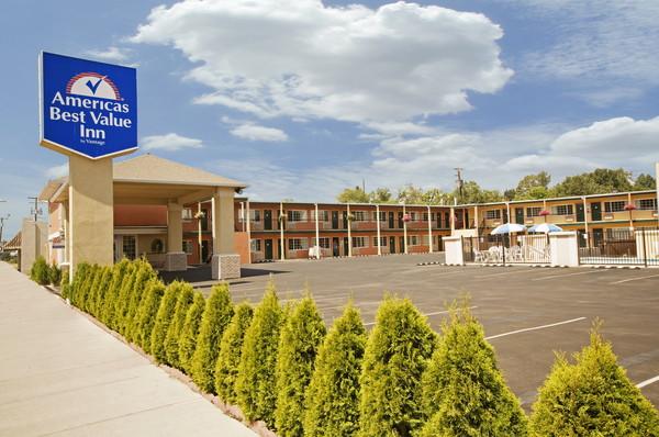 America's Best Value Inn Pendleton - Exterior