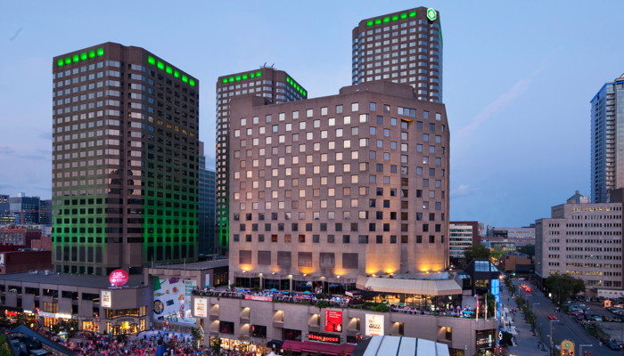 DoubleTree by Hilton Montreal - Exterior