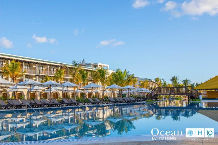 Ocean El Faro Resort - Exterior