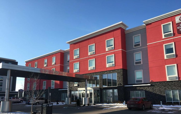 Best Western Plus Airport Inn & Suites in Saskatoon - Exterior