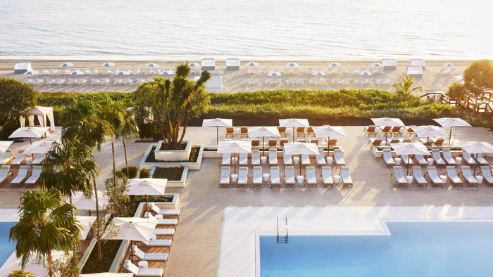 Four Seasons Resort Palm Beach - Pool and beach
