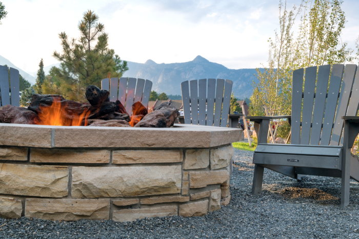 Ridgeline Hotel Estes Park in Colorado - Firepit