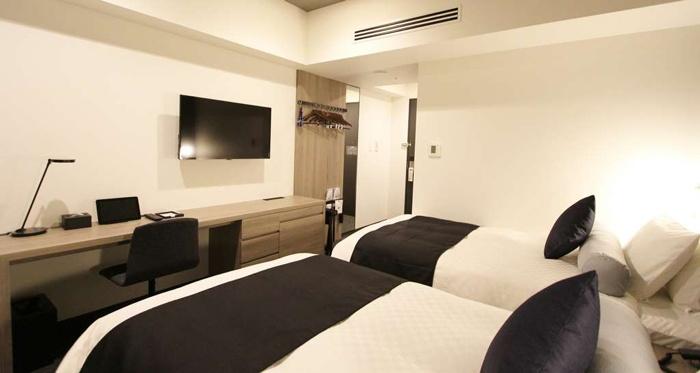 Best Western Plus Hotel guestroom