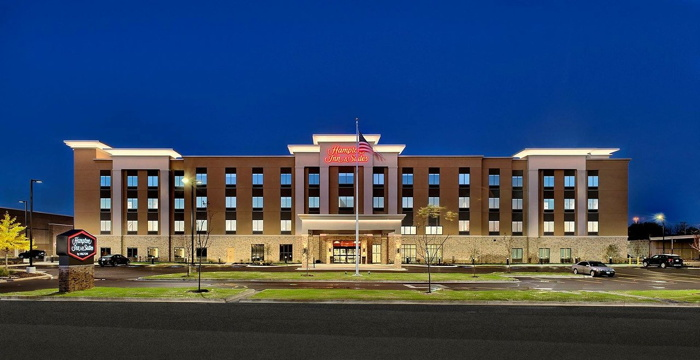 Hampton Inn & Suites Chicago/Waukegan - Exterior