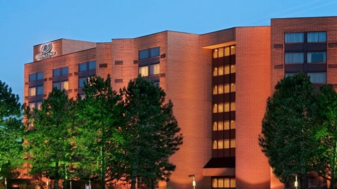 DoubleTree by Hilton Lisle Naperville - Exterior
