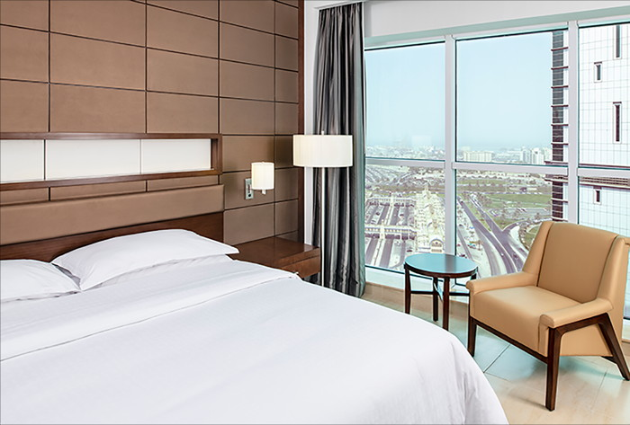 Executive King Guestroom at the Four Points By Sheraton Sharjah