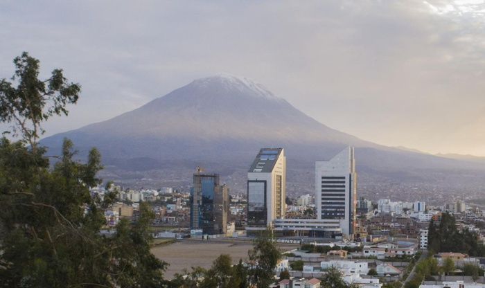 Sonesta Hotel Arequipa - Exterior from a distance