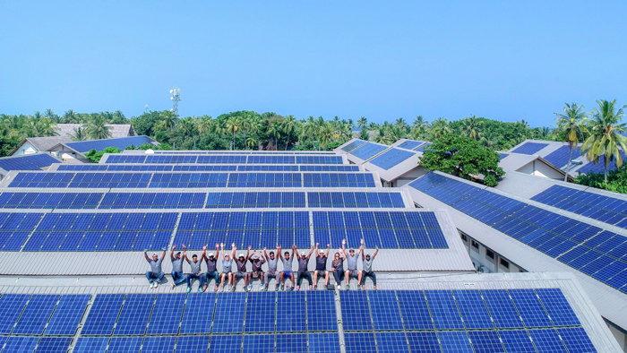 Four Seasons Resort Maldives at Landaa Giraavaru - Solar installation