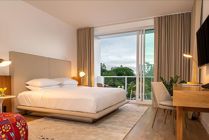 Guestroom at the Sarasota Modern Tribute Portfolio Hotel