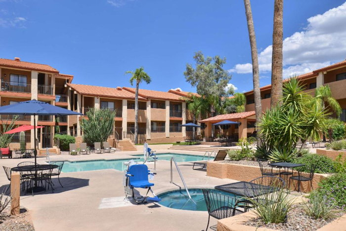 156 Room Red Lion Inn & Suites Tucson North Foothills Sold