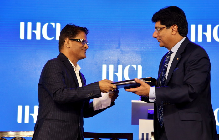 Mr. Kailash R. Goenka, Director, Sankalp In with Mr. Puneet Chhatwal, Managing Director and Chief Executive Officer, IHCL