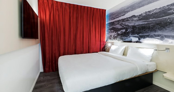 Guestroom at the B&B Hotel Zurich Airport