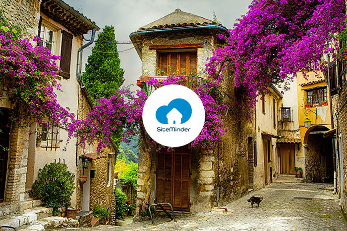 Unnamed French destination and SiteMinder logo