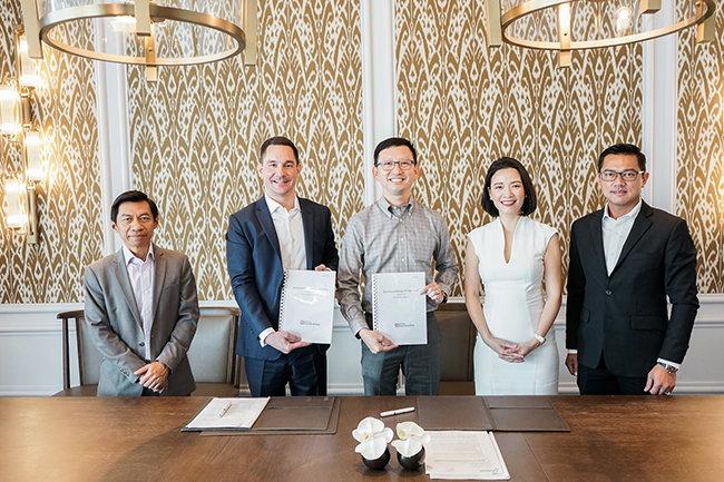 Image from Hilton Garden Inn Bangkok signing ceremony