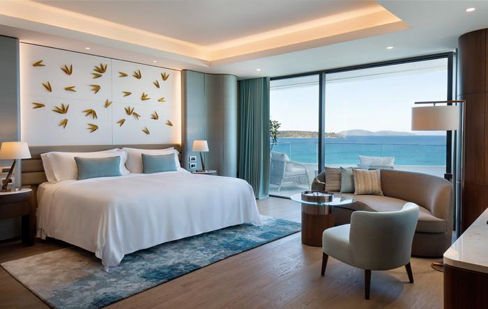 King Reges Retreat Guestroom