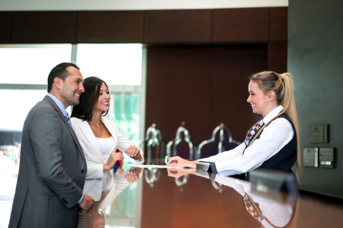 How Hotels Can Re-envision Front Desk Upselling to Improve the Guest Experience