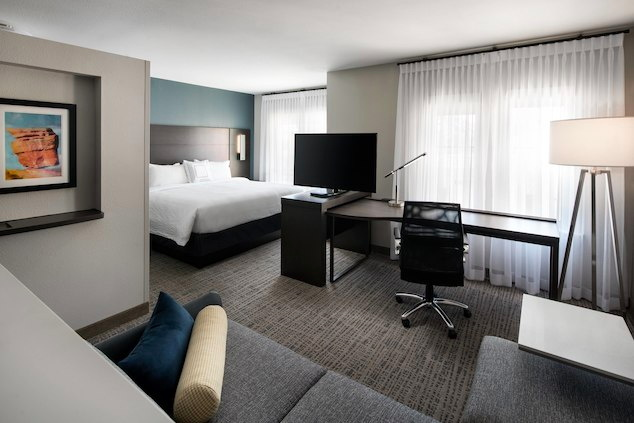 Guestroom at the Residence Inn by Marriott Indianapolis South/Greenwood