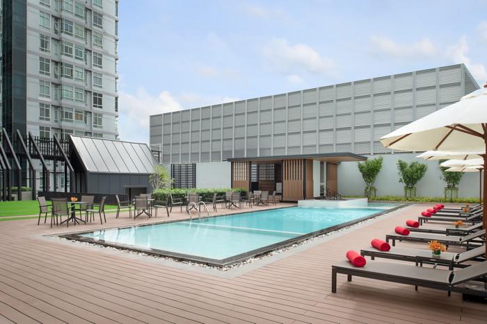 Avani Sukhumvit Bangkok Hotel - Pool