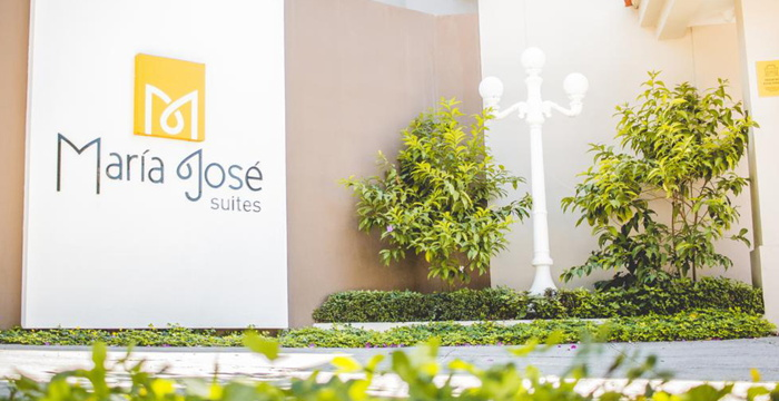Maria Jose Suites in El Salvador - sign