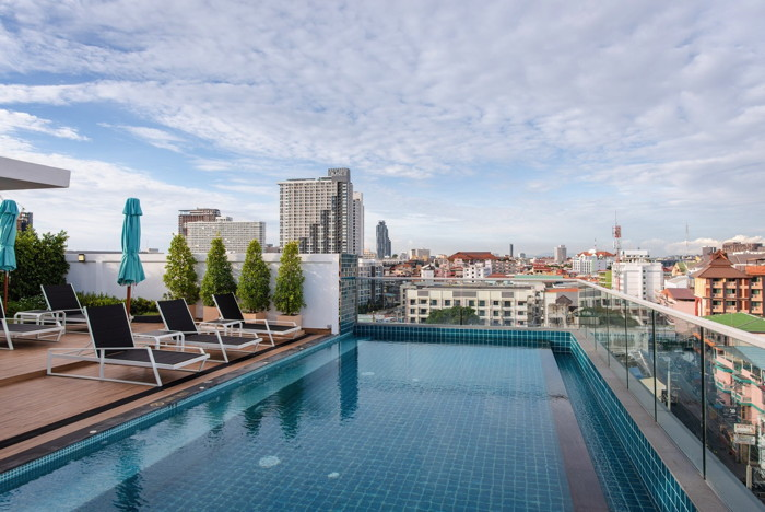 Holiday Inn Express Pattaya Central - Outdoor Swimming Pool