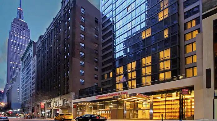 Hilton Garden Inn New York Midtown Park Avenue Hotel - Exterior