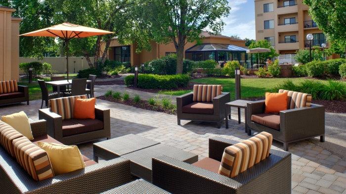 Courtyard Columbus Worthington Hotel - Terrace