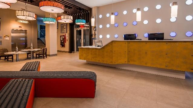 GLō Brooklyn Hotel - Lobby