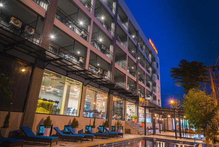 Maikhao Hotel - Exterior