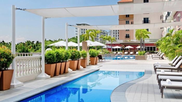 Manila Marriott Hotel - Pool